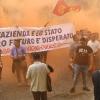 Operai delle Pisano a muso duro contro la Magistratura a Salerno. Cori polemici durante il corteo