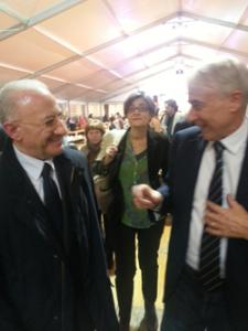 De Luca con il sindaco di Milano Pisapia all'iniziativa per Bersani di sabato