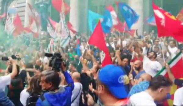 Sciopero dell'industria e del settore terziario a Napoli